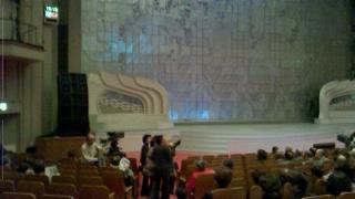 NHKホール 1階席からステージ方向を見る